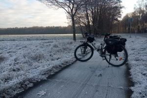 Der gefrorene Weg nach Celle morgens fruh.