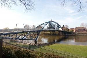 Die Brücke in Nienburg.