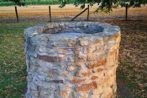 Wasserquelle in Klosterruin Rehburg.