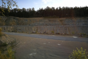 Der Steinbruch neben der Leineberglandbalkon.
