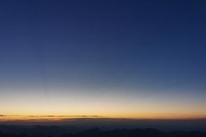 Zugspitze über Höllental - Sonnenuntergang auf Zugspitzeplatform.