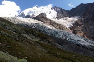 Mont Blank - Tag 5 - Der große Gletcher sieht so massiv aus.