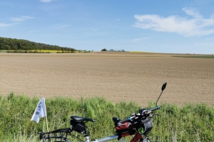 Radfahren - Wandern - Radfahren wieder zurzweit - neben Bentner Berg