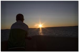 Sonnenuntergang an der Küste in Oulu