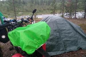 Mein Zelt am Fluss Gelajohka